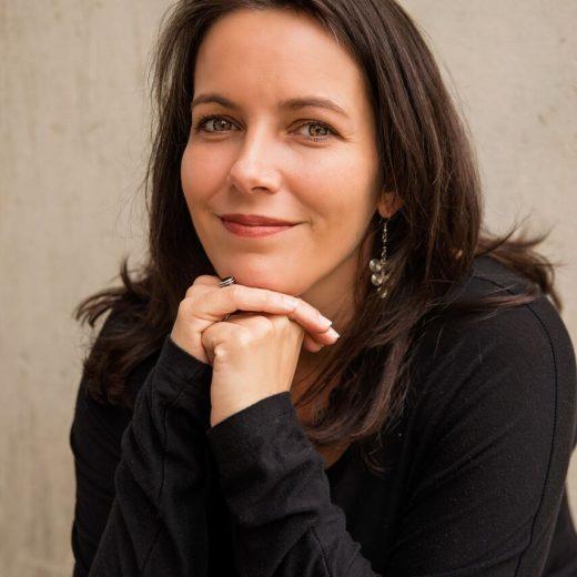 Global Mom podcast host